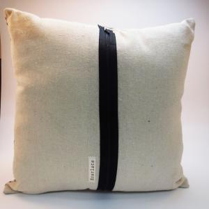 Burlap Pillow with Crow couple Scre..