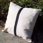 Decorative Pillow Cover with Crow R..