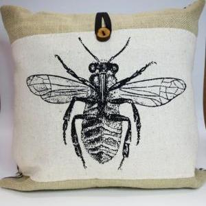 Burlap throw pillow with bee screen..